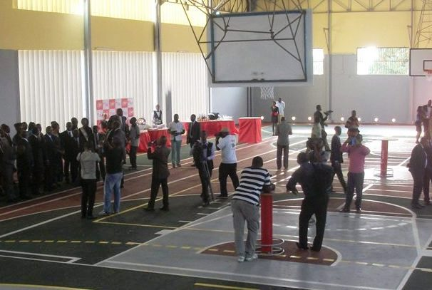 Le gymnase du Lycée Léon Mba