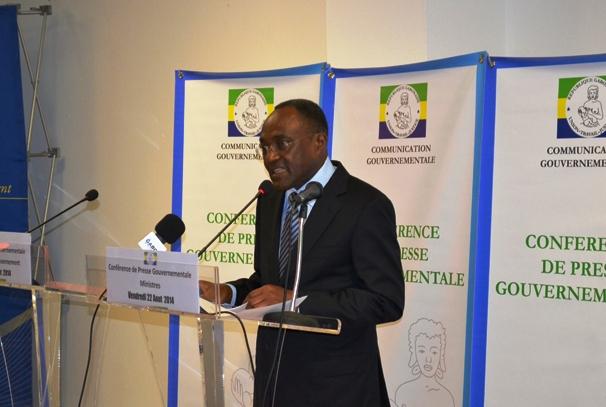 Professeur Fidele Mengue M'Engouang ministre gabonais de la santé