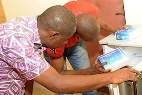 La Fondation Sylvia Bongo Ondimba pour la famille offre plus de 3000 kits de dépistage