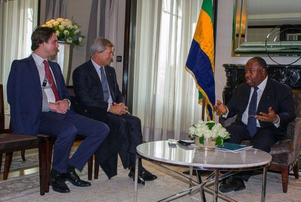 Vincent et Yannick Bolloré reçus par Ali Bongo Ondimba (photo d'archives)