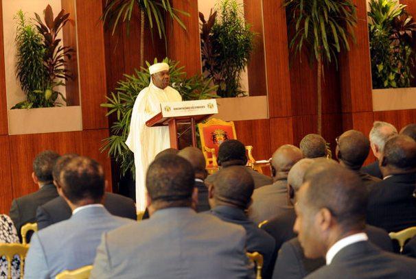 Ali Bongo Ondimba et les syndicats
