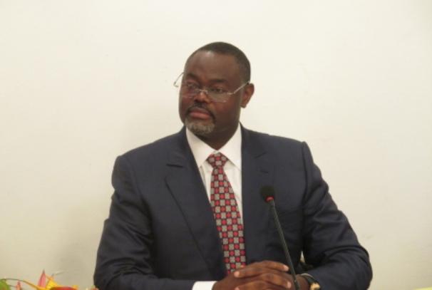 Hervé Patrick Opiangah annonçant sa plainte