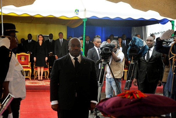 Ali Bongo Ondimba rend hommage à Rose Francine Rogombé