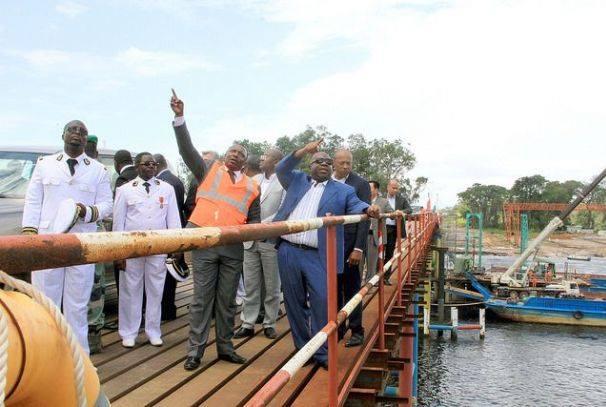 Ali Bongo sur le Pont de service