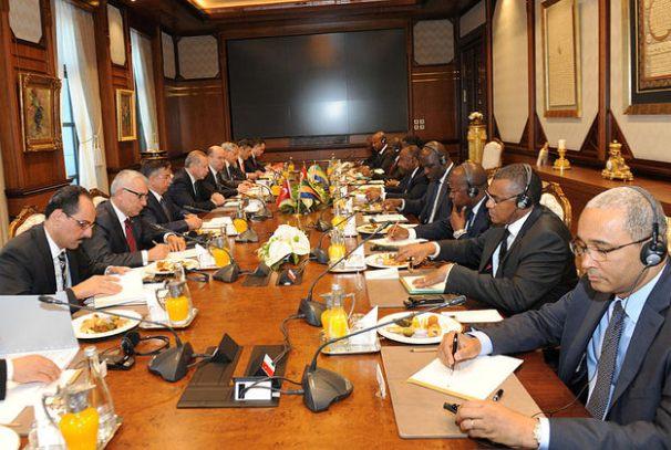 Séance de travail entre la délégation gabonaise et turque