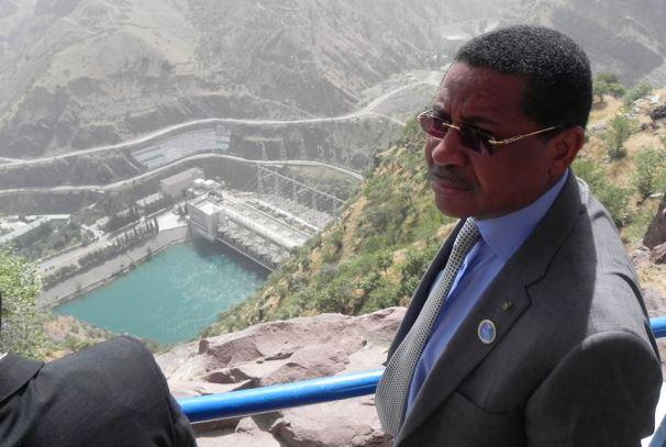 Daniel Ona Ondo au Tadjikistan (sur les installations du barrage  hydroélectrique de Norak)