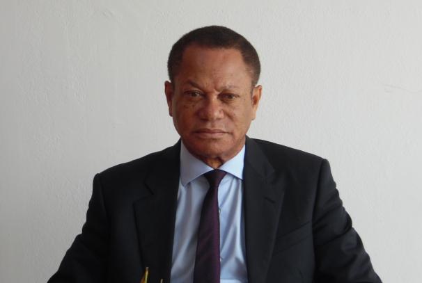 Lin MOMBO, Président de l'ARCEP, à la conférence de presse du 5 juin 2015