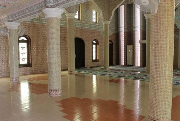 L'intérieur d'une mosquée gabonaise (photo à titre d'illustration par DR)