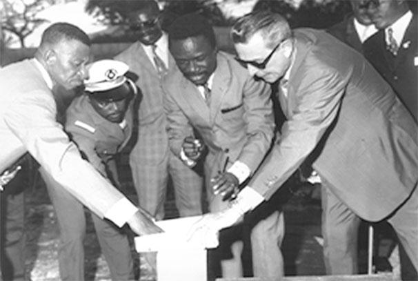 Photo archive de la Chambre de Commerce du Gabon