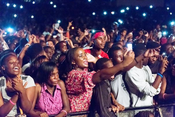 le public venu suivre Stromae (crédit Mayena Productions - François Zima)