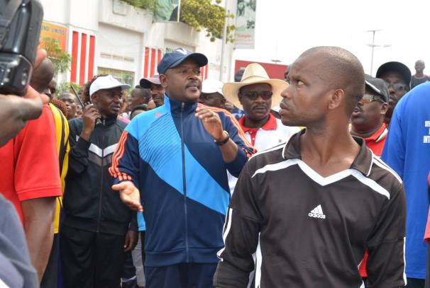 le Président Burundais Pierre nkurunziza lors d'une marche pacifique en janvier