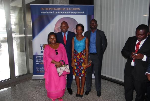 Tony Elumelu et les lauréats gabonais