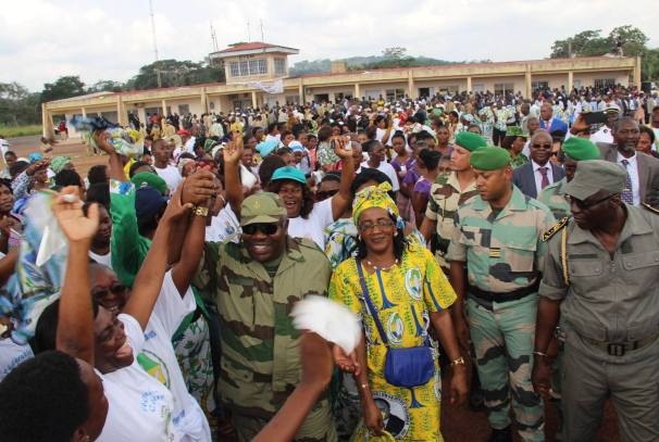 Arrivée du Président Ali Bongo Ondimba à Oyem, à destination de Minkébé
