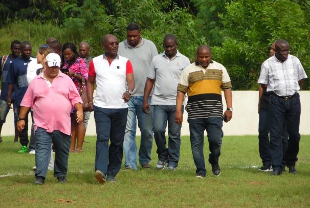Blaise Louembe et les acteurs du rugby gabonais au stade d'Owendo