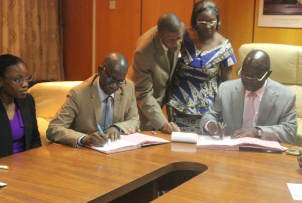 Le Représentant Résident du UNFPA et le Premier Vice-Premier Ministre