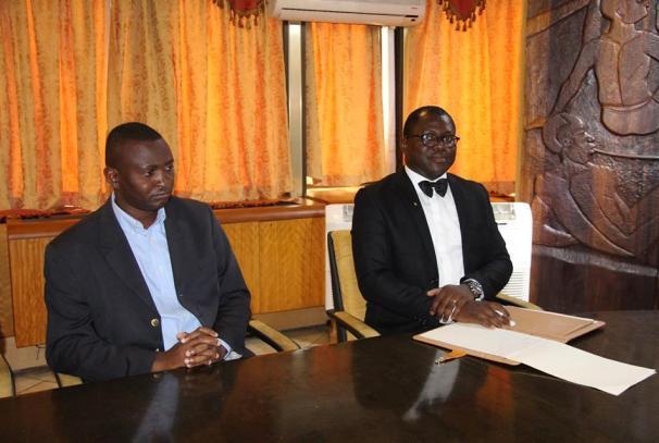 Télesphore Obame Ngomo (DP du Verbe de Ngomo) et Marc Ulrich Malekou (DP de Mazleck Infos)