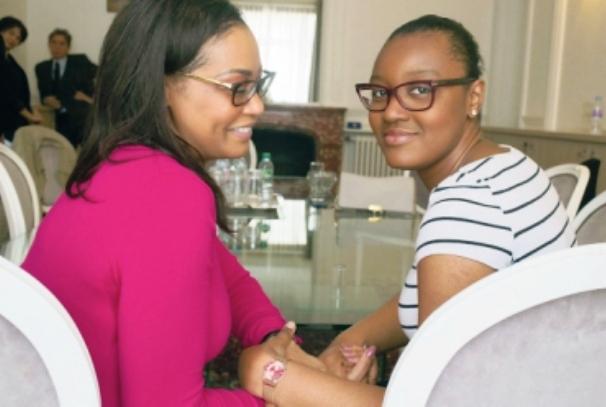 Joyce ondo et sa fille (photo Africtelegraph.com)