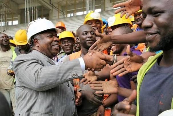 Ali Bongo et les ouvriers