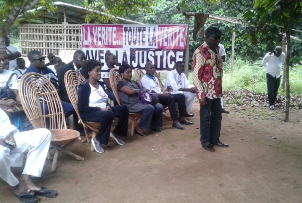 La famille Nyonda en tournée d'explication