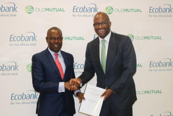 Le Directeur Général du Groupe Ecobank, Ade Ayeyemi, et le Directeur Général de Old Mutual Ralph Mupita (photo Ecobank)