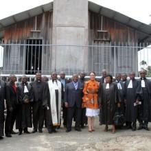 Le Président Ali Bongo Ondimba et son épouse à l'église évangelique de Baraka