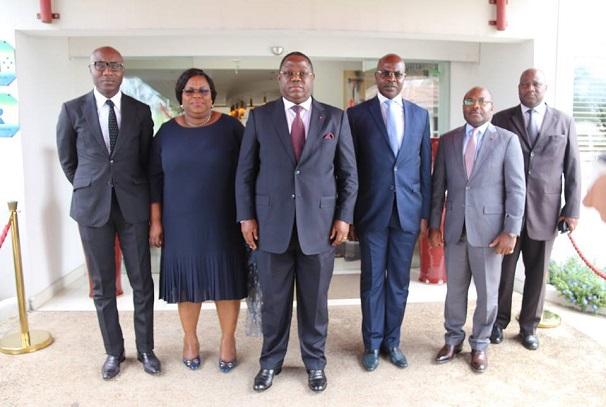 Les membres du gouvernement au symposium sur le financement de l'agriculture