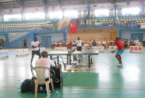 Une phase de la finale en Junior Rasseguet (à gauche) et Sériki Marouf (à droite)