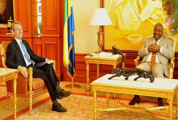 Le président Ali Bongo Ondimba et S.E Brian Olley