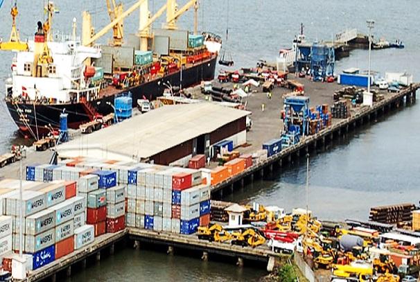 Les containers au Port d'Owendo