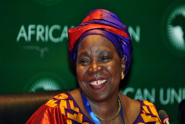 Nkosazana Dlamini-Zuma parle de l'Internet
