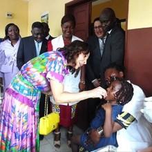 Ali et Sylvia Bongo Ondimba dans la lutte contre la rougeole