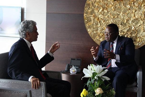 Emmanuel Issoze Ngondet et Lebatt Mohamed El Hacen et Emmanuel Issoze Ngondet