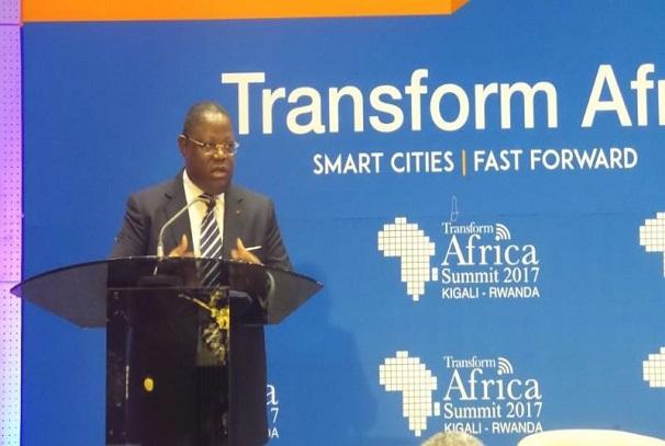 Emmanuel Issoze Ngondet à Kigali