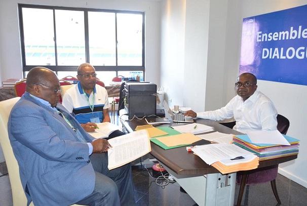 Eric Dodo Bounguendza au milieu
