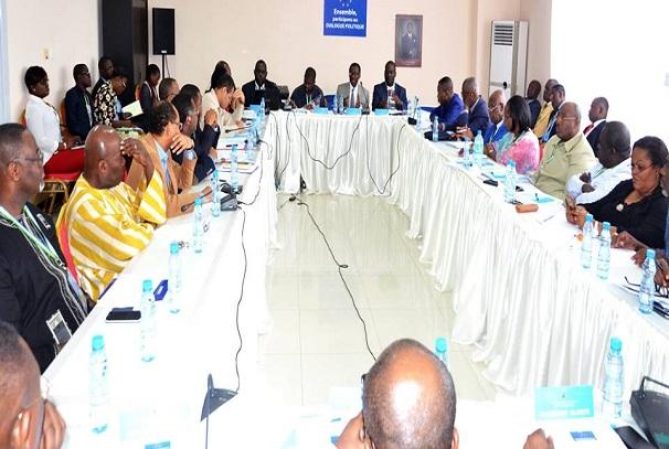 majorité et opposition au dialogue