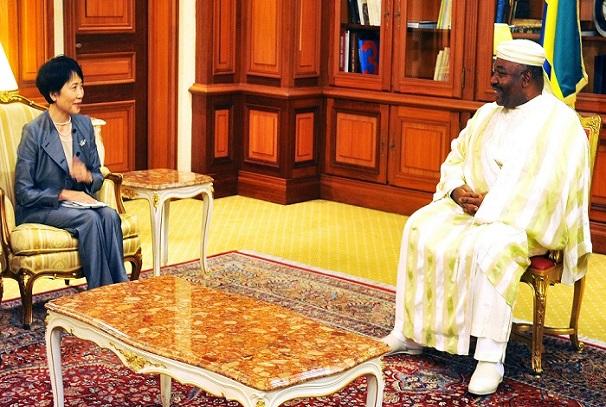 Ali Bongo Ondimba et Dr. Naoko ISHI