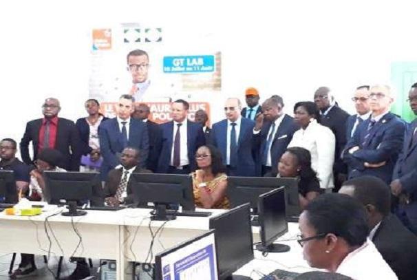 Gabon Telecom et UGB volent au secours des enseignants