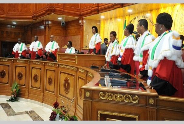 Les membres de la Cour constitutionnelle