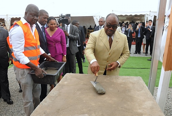 Ali Bongo Ondimba lance les travaux du CFP de Nkok