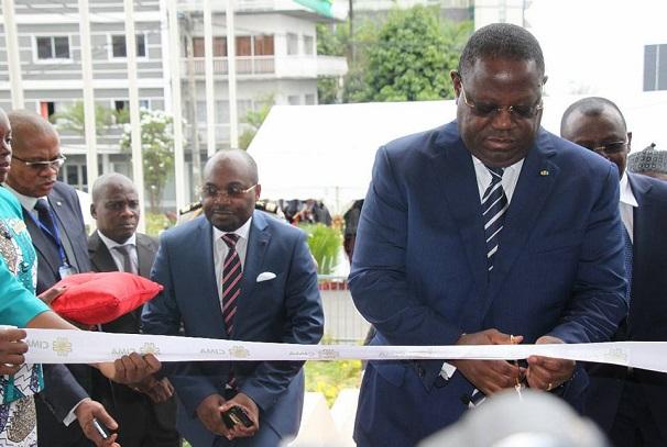 Emmanuel Issoze Ngondet inaugure le siège de la CIMA