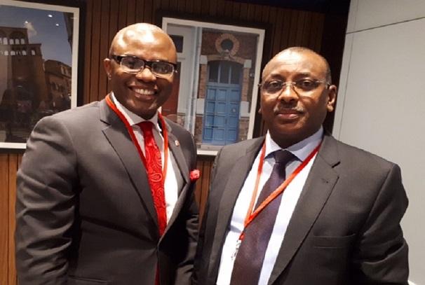 L'Administrateur exécutif et Directeur de UBA Africa Francophone, Emeke Iweriebor, avec Christian Georges Diguimbaye, Ministre tchadien des finances et du budget
