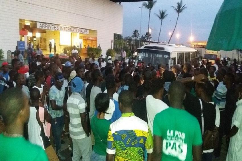Arrivée de Vivien Pea Makaga à l'aéroport de Libreville