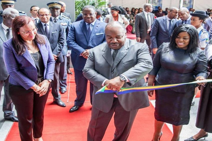 Ali Bongo Ondimba inaugure le guichet unique de l'ANPI