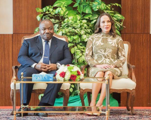 Le couple présidentiel Bongo reçoit les voeux du corps diplomatique
