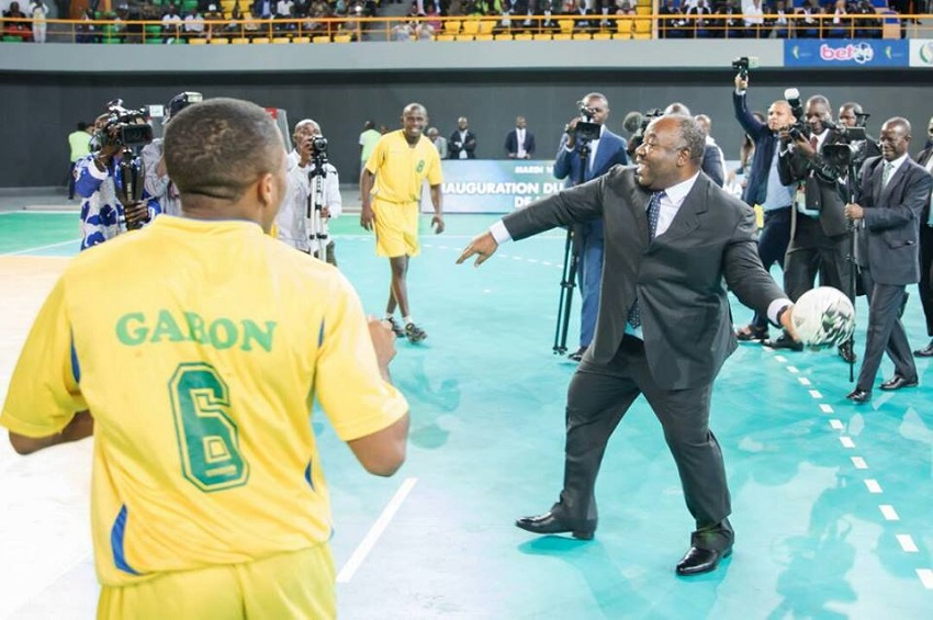 Le président Ali Bongo Ondimba au Palais des sports