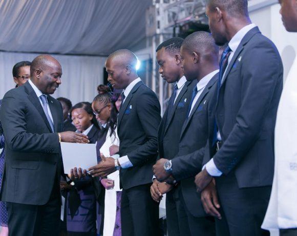 La Fondation BGFIBank offre 20 bourses