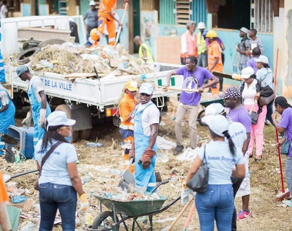 La Fondation Sylvia Bongo Ondimba à l'école publique ENS B