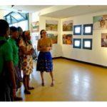Visite de l'exposition par l'Action sociale DORCAS