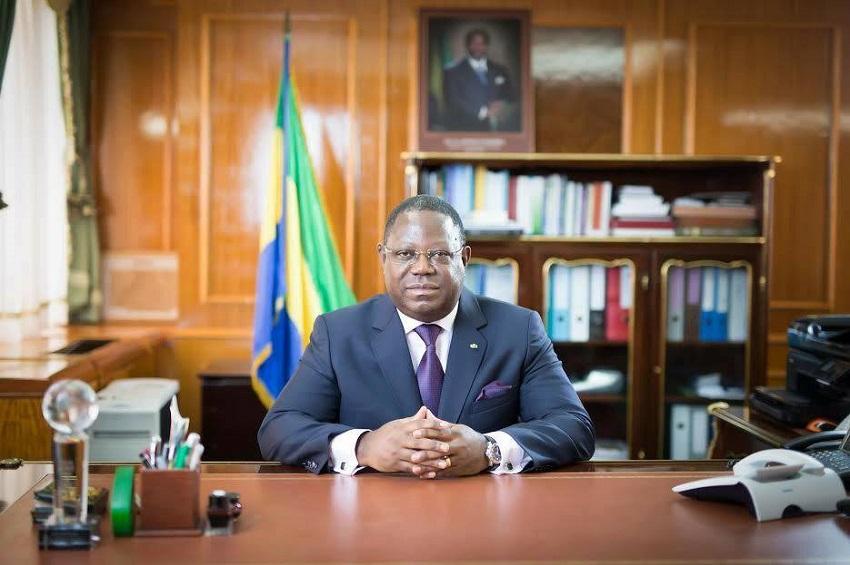 Emmanuel Issoze Ngondet reconduit à ses fonctions