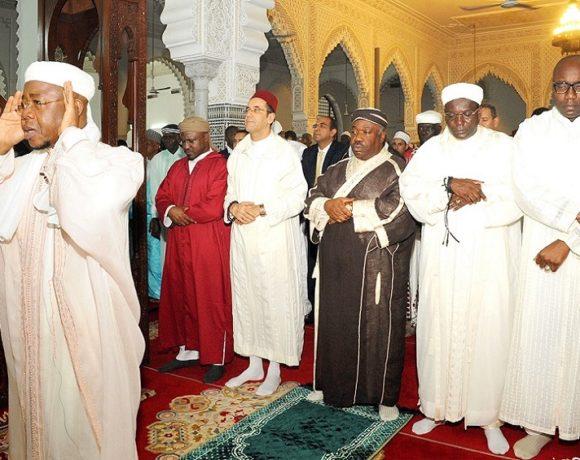 Ali Bongo Ondimba à la grande prière de la fin du ramadan